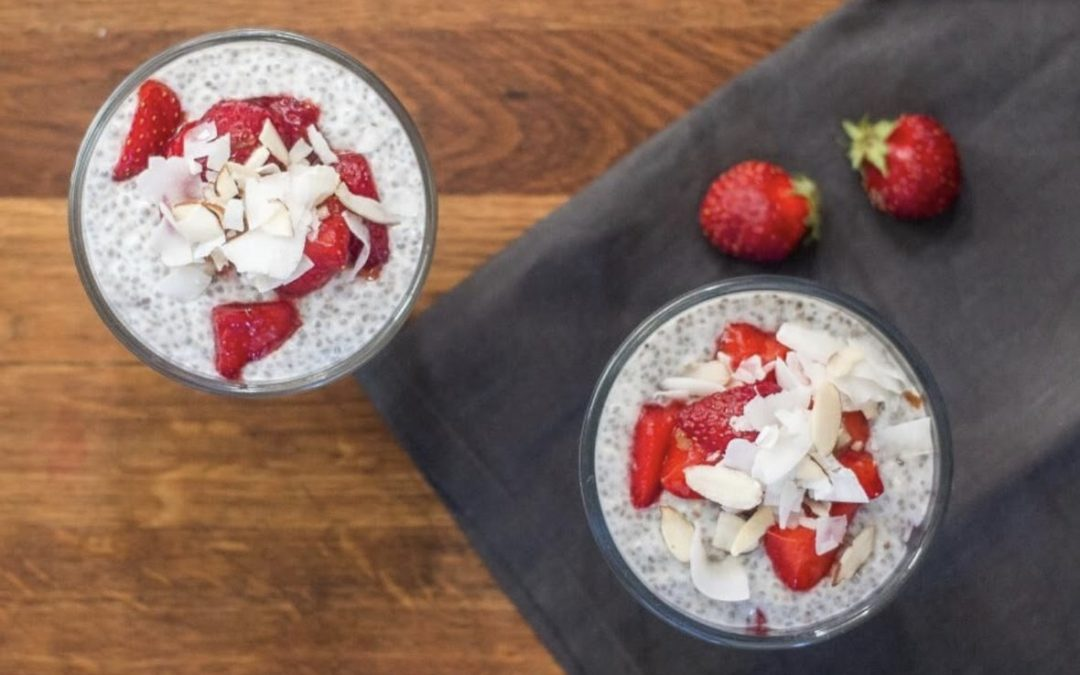 Start the Weekend with a Collagen Strawberry Parfait